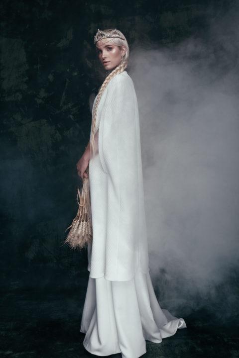 Свадебное платье Blanche (cape), Коллекция Anna de France, Anne-Mariée