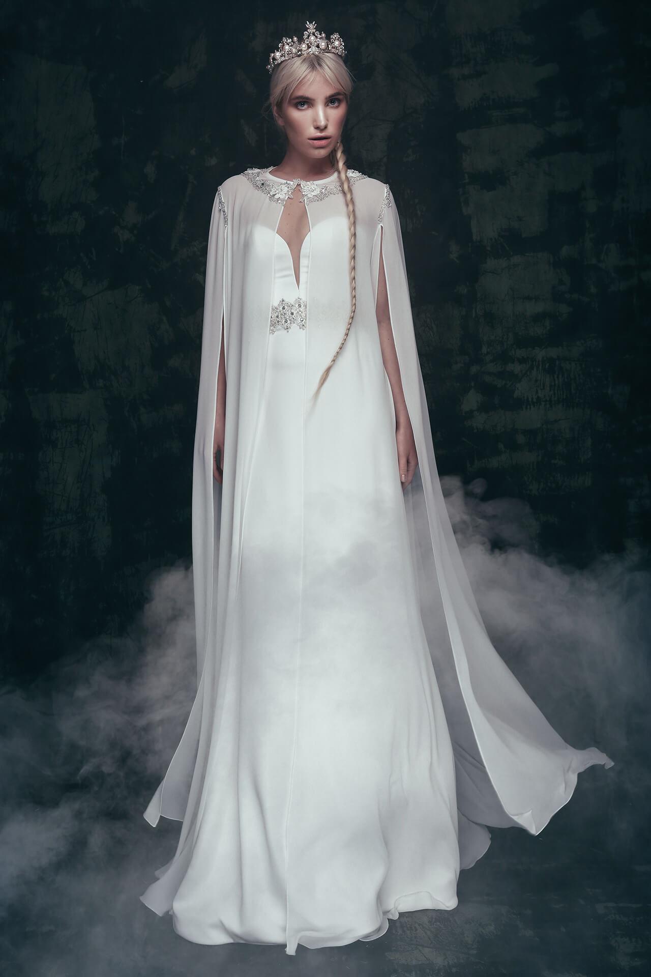 Гармония в образе невесты: как выбрать накидку для венчания?