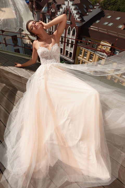 Свадебное платье Uberly, Коллекция Cloudy dreams, Anne-Mariée