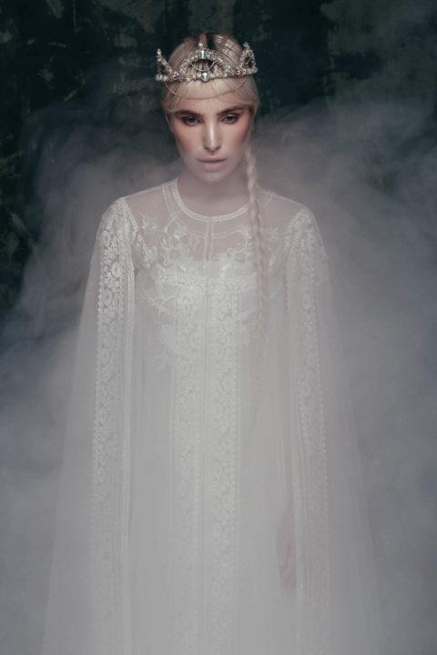 Свадебное платье Zoria (cape), Коллекция Anna de France, Anne-Mariée
