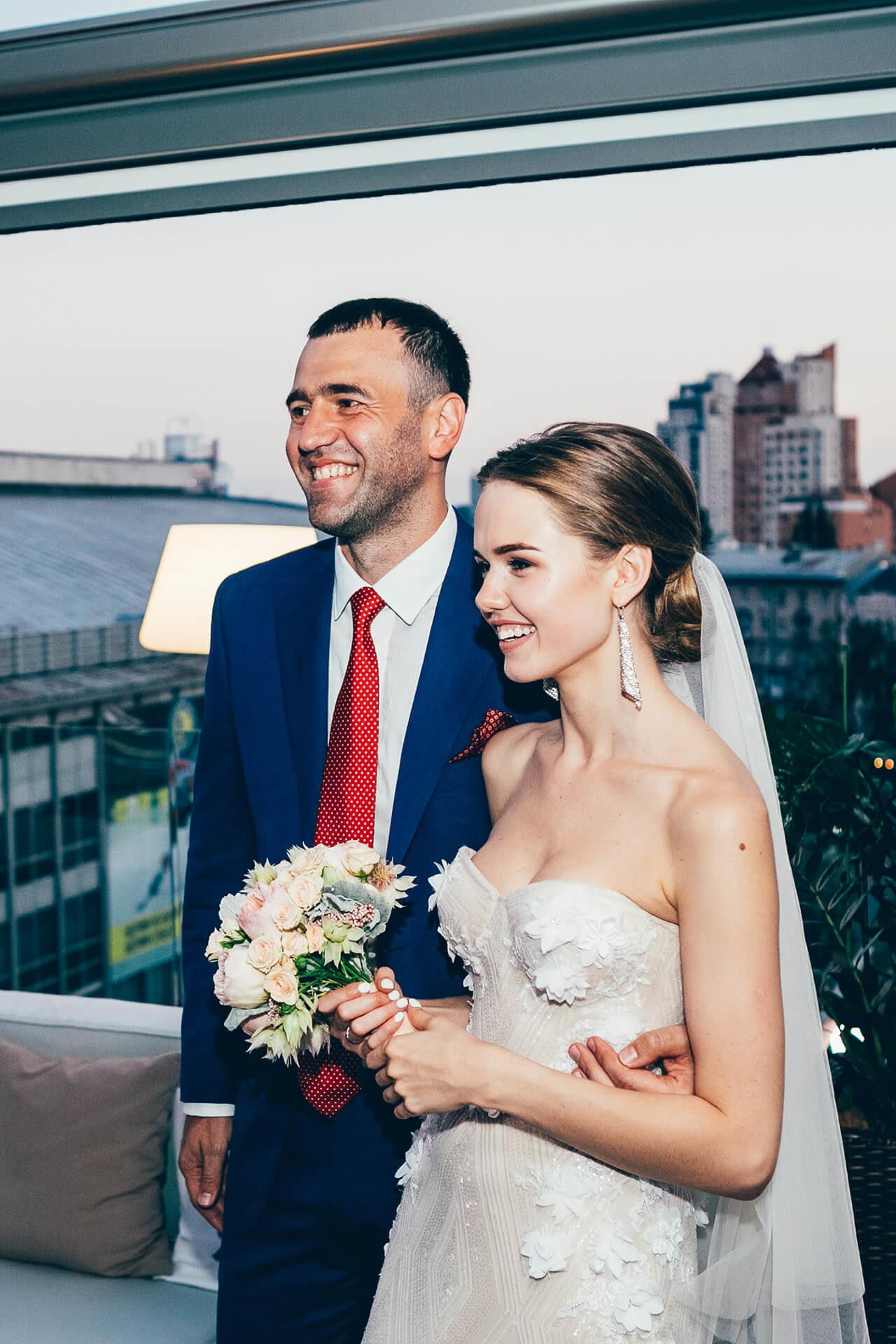 Популярный Youtube-блогер Маша Тимошенко вышла замуж в платье от Anne-Mariee